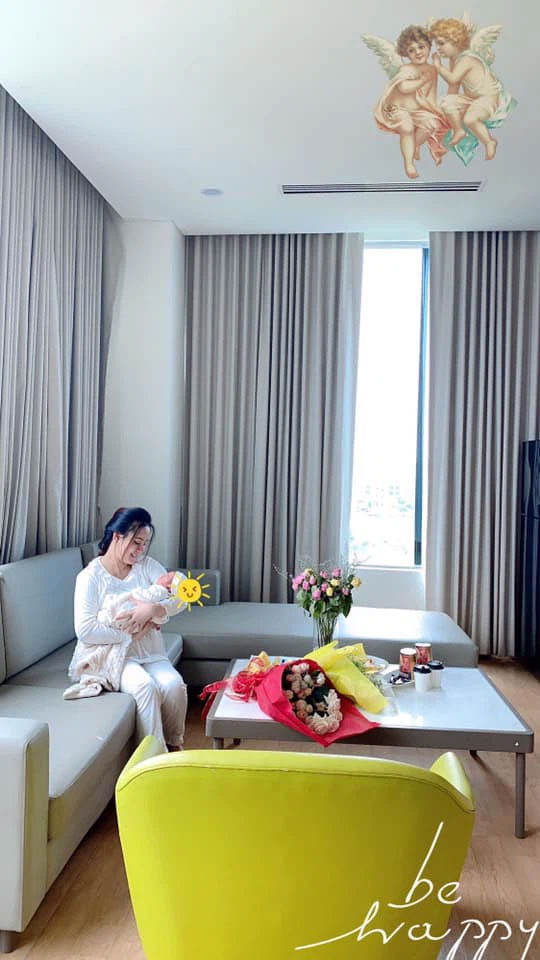 HOT: Vừa sinh con thứ 3, Vy Oanh đã gây bất ngờ với hình ảnh này-2