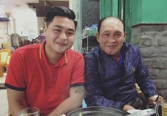 Duy Phước - Lê Lộc lần đầu xuất hiện bên gia đình riêng của bố Duy Phương, cử chỉ mẹ kế hé lộ mối quan hệ thật-4