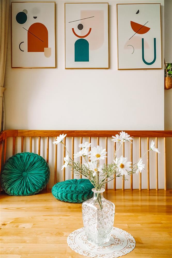 Nữ điều dưỡng trổ tài thiết kế, tận dụng cả chai nước truyền dịch để decor nhà: Cứ tưởng không gian sống sẽ khô khan như nghề ai ngờ thành quả lại đốn tim bao người-2
