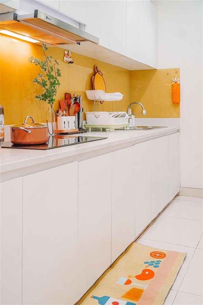 Nữ điều dưỡng trổ tài thiết kế, tận dụng cả chai nước truyền dịch để decor nhà: Cứ tưởng không gian sống sẽ khô khan như nghề ai ngờ thành quả lại đốn tim bao người-7