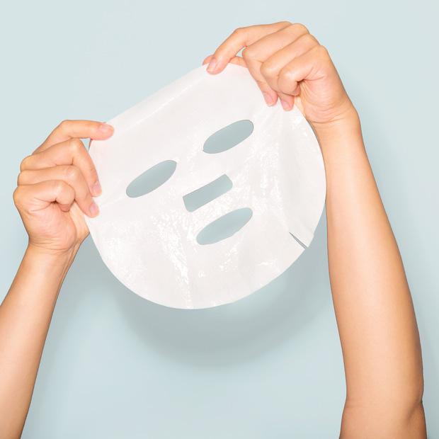 Bác sĩ da liễu khuyên: Mặt nạ giấy không nên là lựa chọn cấp nước tối ưu!-4