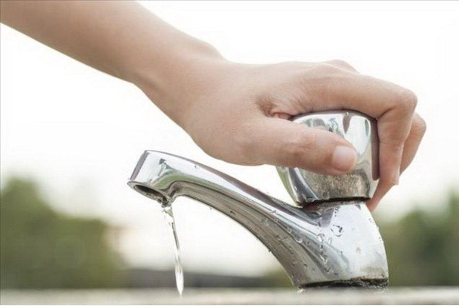 Mùa hè nắng nóng, nhu cầu sử dụngnước tăng cao, hãy học ngay 10 mẹo nhỏ đơn giản nàysẽ giúp bạntiết kiệm nước trong nhà bếp hiệu quả!-5