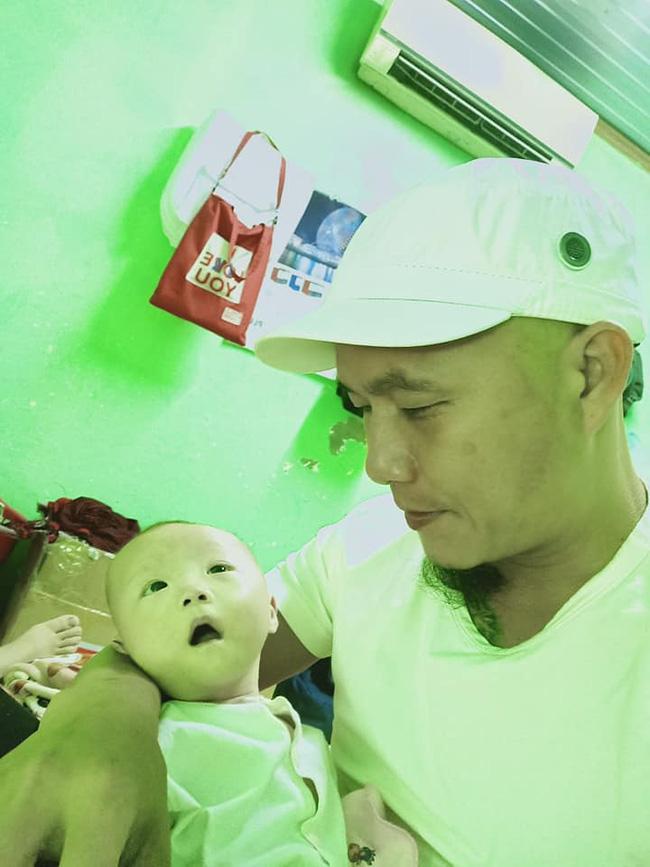 Anh Minh bán rau rơi nước mắt nói về con gái út: Nếu có một điều ước, chỉ ước con bé có thể ở với vợ chồng tôi thật lâu-3