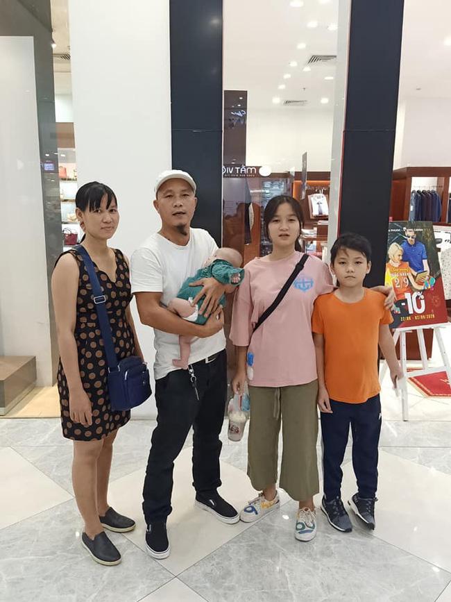 Anh Minh bán rau rơi nước mắt nói về con gái út: Nếu có một điều ước, chỉ ước con bé có thể ở với vợ chồng tôi thật lâu-1