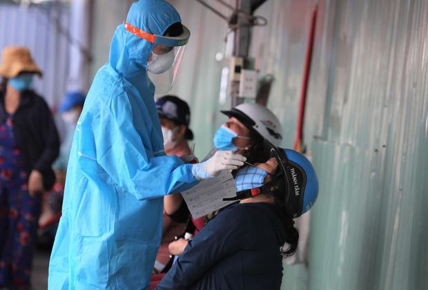 2 người phụ nữ hoàn thành cách ly ở Đà Nẵng, về Hà Nội phát hiện mắc Covid-19-1