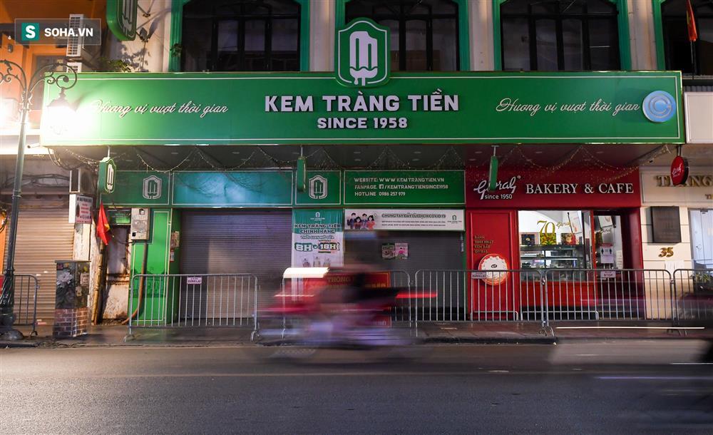 Đường phố Hà Nội vắng vẻ đến bất ngờ sau lời kêu gọi người dân ở nhà của lãnh đạo Thành phố-4