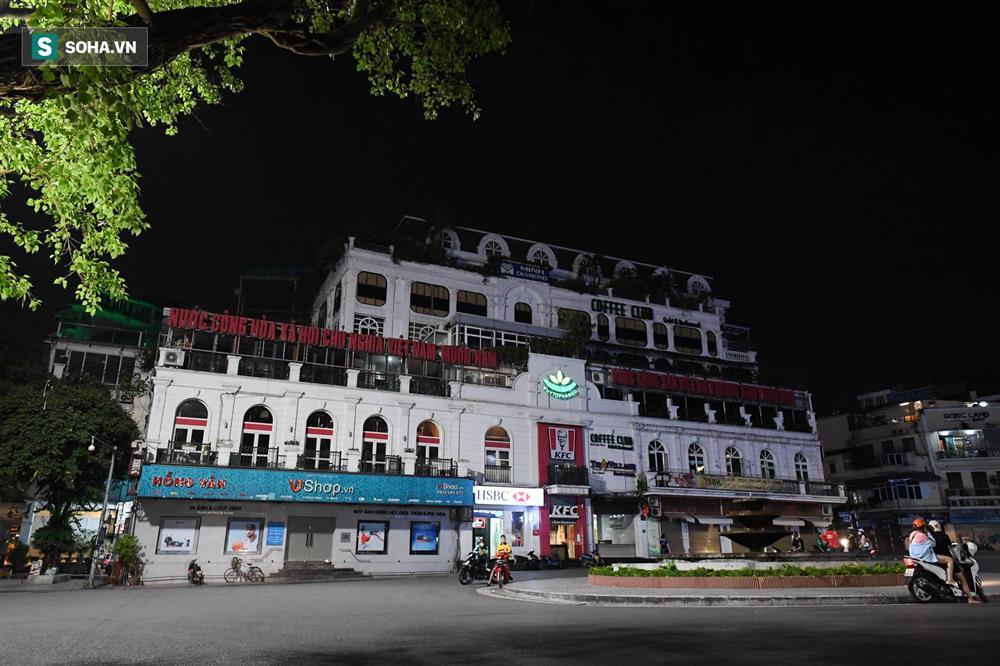 Đường phố Hà Nội vắng vẻ đến bất ngờ sau lời kêu gọi người dân ở nhà của lãnh đạo Thành phố-8