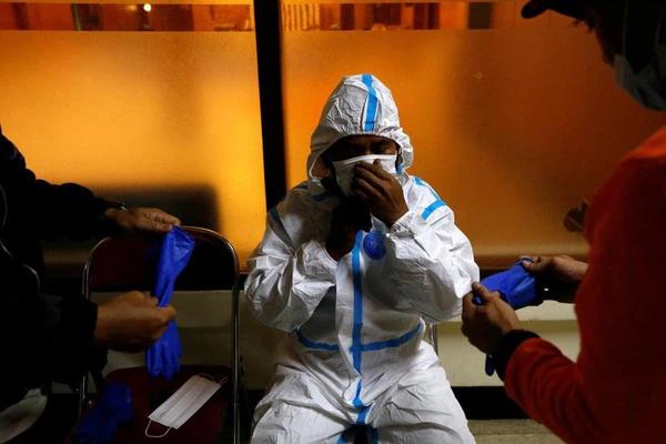 Hơn hai tuần, 114 bác sĩ Indonesia tử vong vì COVID-19-1