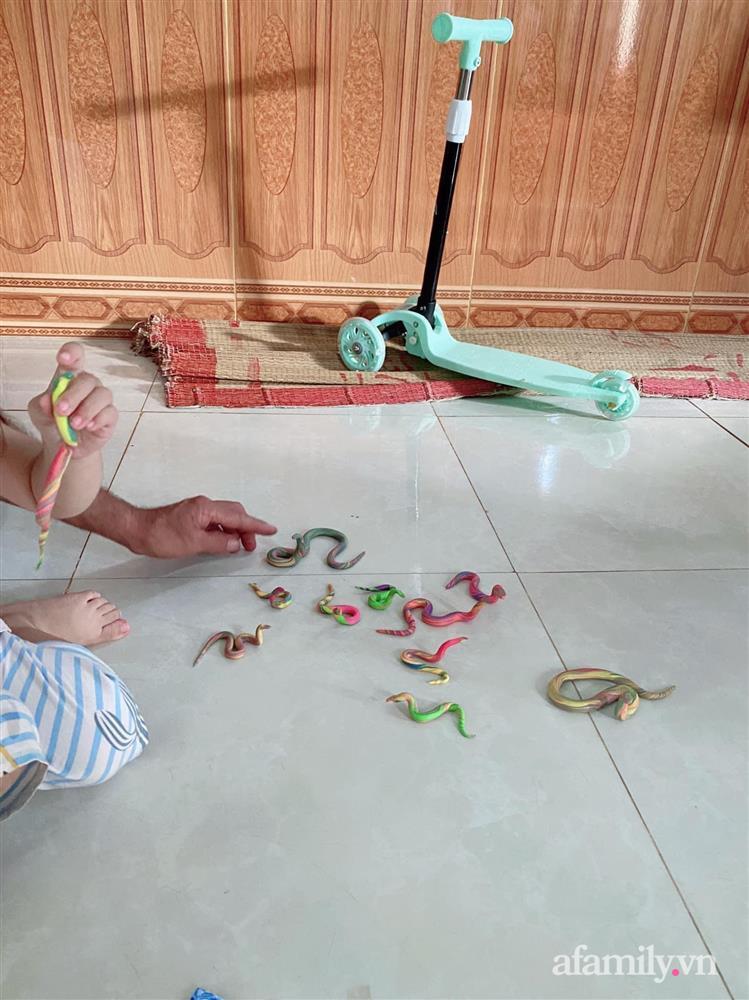 Nghỉ dịch ở nhà, bé gái cùng ông đem đất nặn ra chơi, nhìn thành phẩm mà dân mạng té xỉu-5