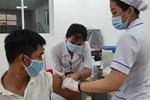 Vợ bán tạp hóa mệt mỏi được chồng đưa đi khám, vào viện test nhanh cả 2 đều nhiễm SARS-CoV-2-3