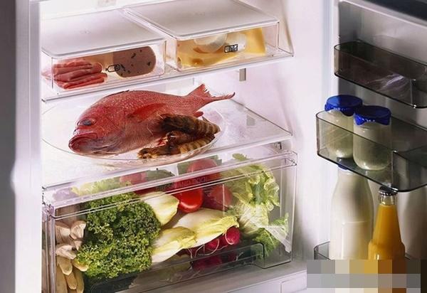 Người phụ nữ 28 tuổi được chẩn đoán ung thư dạ dày, bác sĩ cảnh báo: 2 loại thực phẩm này để trong tủ lạnh lâu ngày, tất cả đều là chất gây ung thư-2