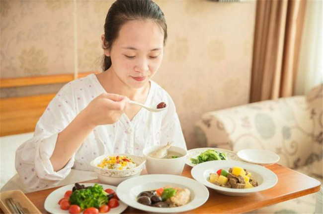 Nghiên cứu của Mỹ: Người mẹ ăn quá nhiều đồ ngọt khi đang cho con bú sẽ ảnh hưởng đến trí não của trẻ-1
