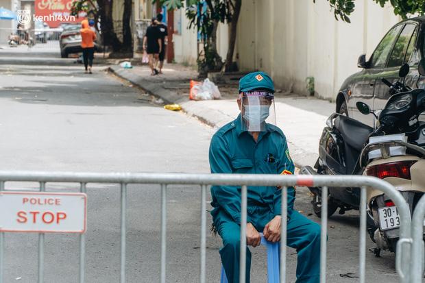 Hà Nội: Thiết lập 4 chốt phong tỏa, lấy mẫu xét nghiệm sau khi ghi nhận ca F0 đầu tiên tại phường Nam Đồng-2