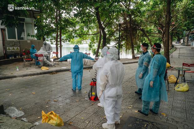 Hà Nội: Thiết lập 4 chốt phong tỏa, lấy mẫu xét nghiệm sau khi ghi nhận ca F0 đầu tiên tại phường Nam Đồng-4