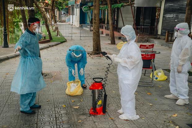 Hà Nội: Thiết lập 4 chốt phong tỏa, lấy mẫu xét nghiệm sau khi ghi nhận ca F0 đầu tiên tại phường Nam Đồng-7