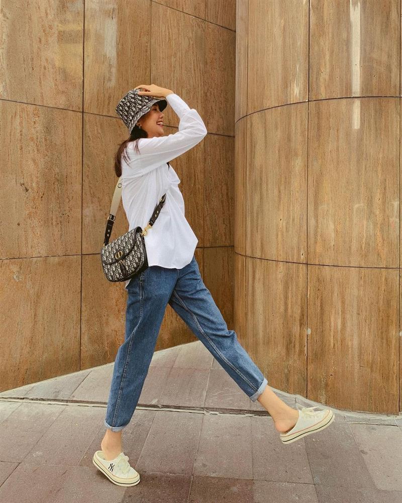 Cách chọn áo sơ mi của Thanh Hằng ở tuổi U40: Chỉ mê một kiểu trẻ trung, tẩy chay một kiểu lỗi mốt-7