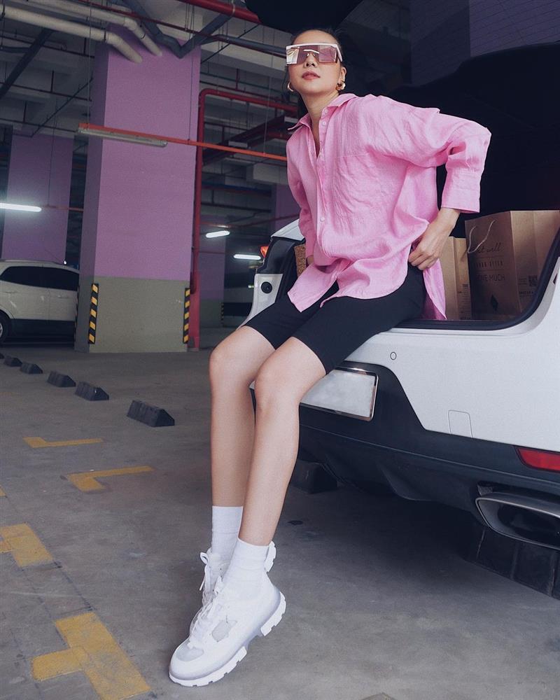 Cách chọn áo sơ mi của Thanh Hằng ở tuổi U40: Chỉ mê một kiểu trẻ trung, tẩy chay một kiểu lỗi mốt-9