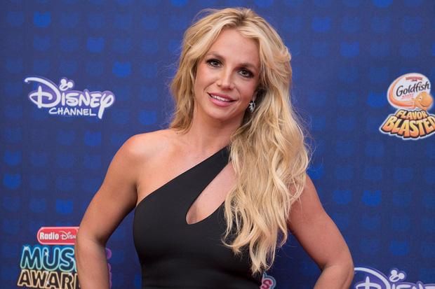 Cựu vệ sĩ hé lộ tình tiết gây sốc: Britney Spears bị bắt uống 1 cốc ma túy mỗi tuần, 3 loại thuốc thần kinh và thuốc tránh thai-4