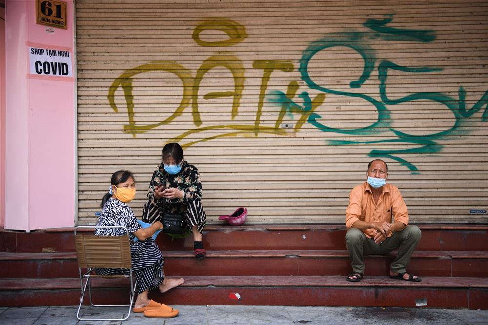 Hàng loạt nhà phố cổ Hà Nội treo biển cho thuê, bán nhà-10