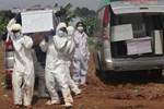 Thảm kịch Covid-19 ở Indonesia: Hệ thống y tế quá tải, nhiều người nằm chờ chết ở nhà-3