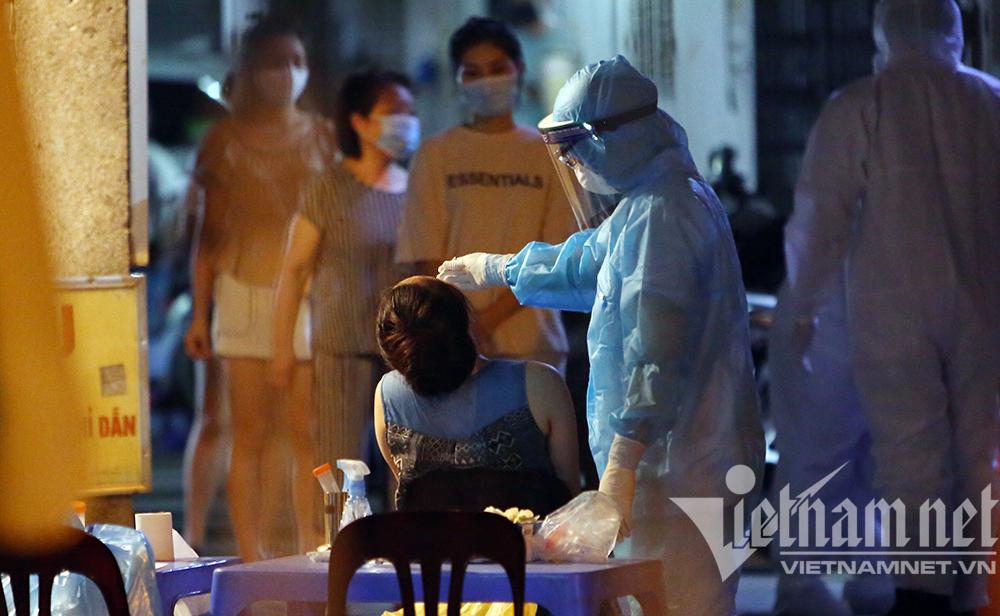 Ba ca dương tính nCoV liên quan nhà thuốc, Hà Nội xét nghiệm khẩn hàng trăm người-2