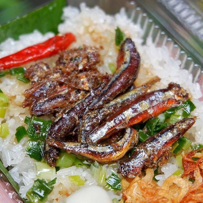 Món xôi nóng hổi ăn kèm của lạ, giá bình dân chỉ hơn cốc trà ở Nha Trang-2
