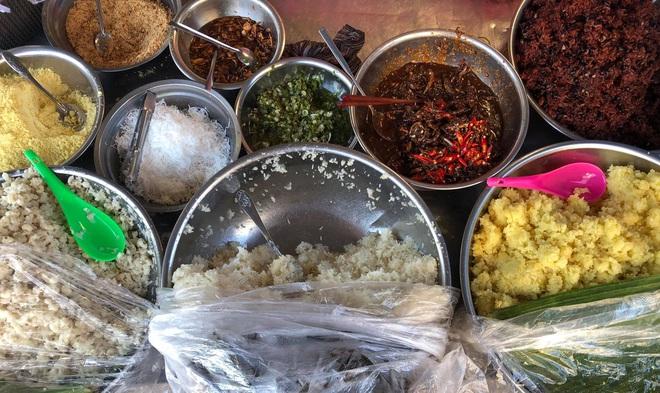 Món xôi nóng hổi ăn kèm của lạ, giá bình dân chỉ hơn cốc trà ở Nha Trang-3