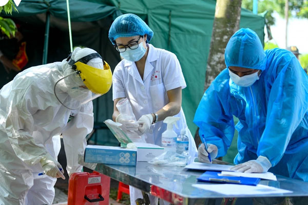 Vĩnh Phúc có thêm 9 ca dương tính với SARS-CoV-2 trở về từ TP.HCM và Bình Dương-1