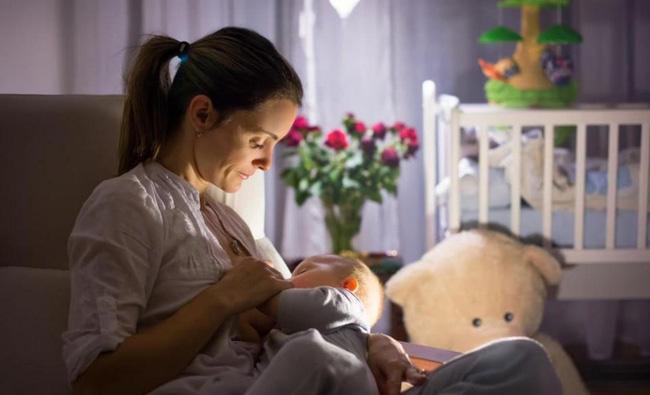 Bé sơ sinh 7 ngày tuổi bị sặc sữa tím tái toàn thân, không còn nhịp tim và hơi thở-4