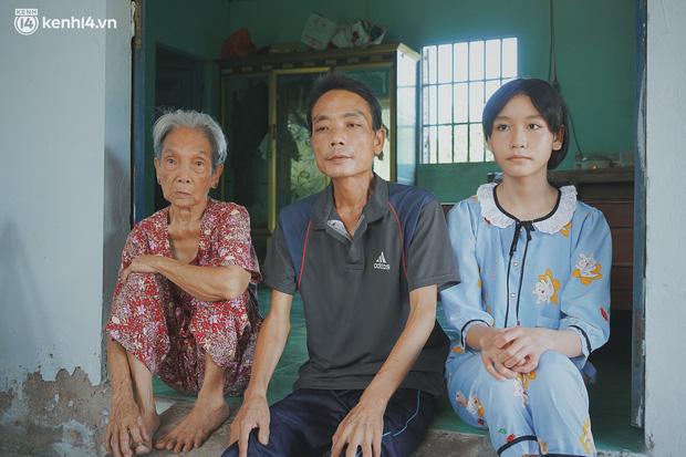 Mẹ bỏ đi, nữ sinh 14 tuổi khóc cạn nước mắt, cầu xin một cơ hội để cứu lấy người cha mắc bệnh hiểm nghèo-14