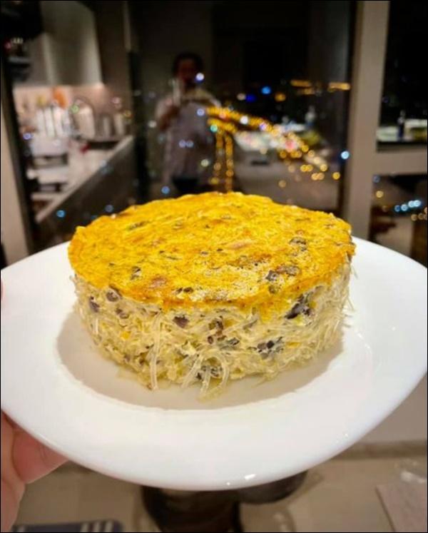 Hari Won vụng về bếp núc, Trấn Thành lạinấu ăn siêu ngon, nghỉ dịch ở nhà trình nấu nướng càng lên tay-2