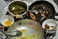 Bữa cơm từ rau, củ hỏng 'mót' ở chợ của chị công nhân thất nghiệp