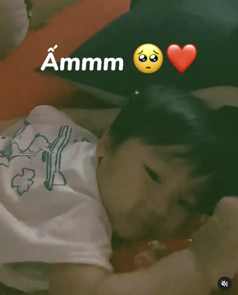Con trai Hoà Minzy chỉ nói đúng 1 câu mà thu về hơn 330 nghìn lượt thả tim, quá đáng yêu là có thật-1