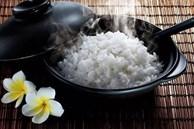 Đây là sai lầm nguy hiểm khi ăn cơm của nhiều người Việt, nếu không sớm thay đổi thì bạn sẽ 'rước' đủ thứ bệnh