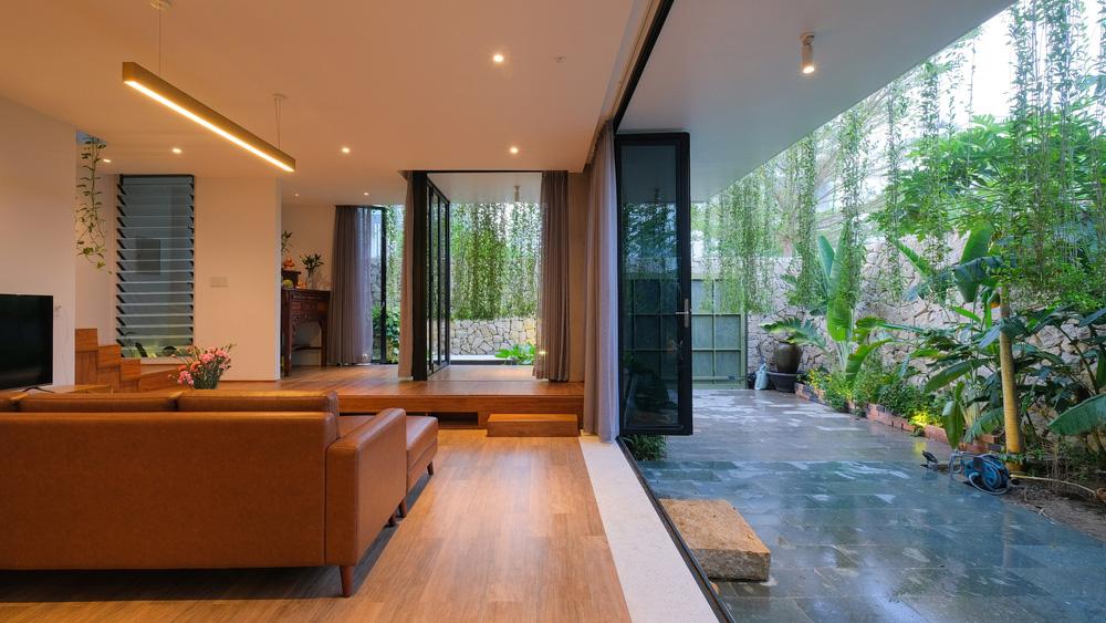 Ở đây có căn biệt thự nhiệt đới ngập cây xanh, bước vào bên trong càng wow hơn nữa vì không gian chill hệt như resort-8