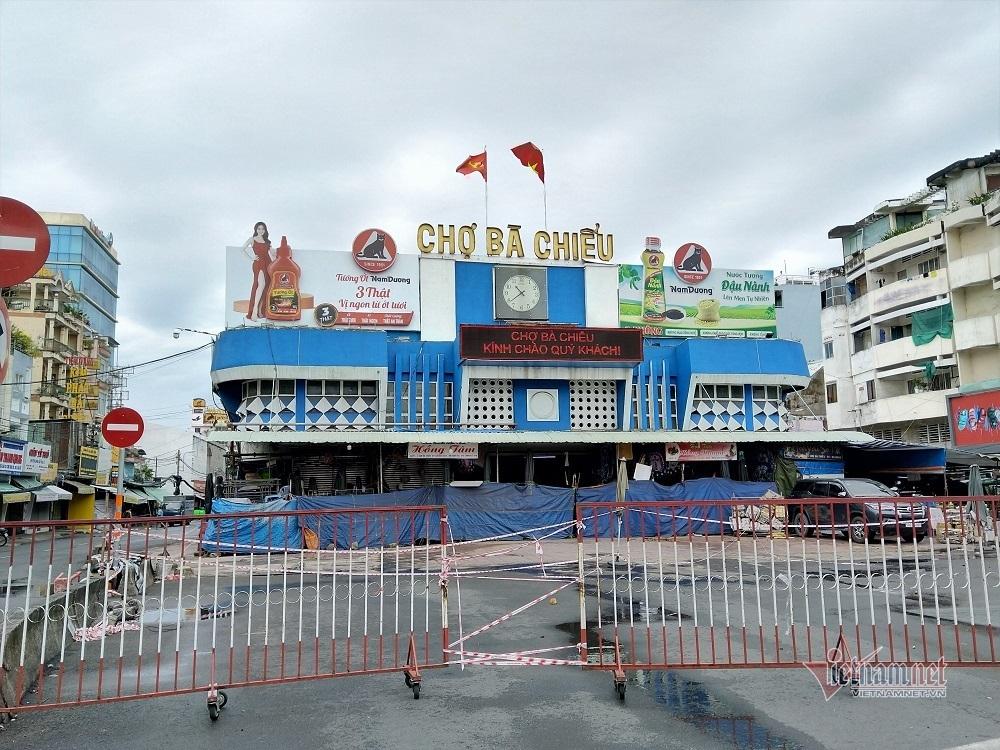 Siêu thị Sài Gòn lại báo cháy hàng mỳ tôm, miến khô-3