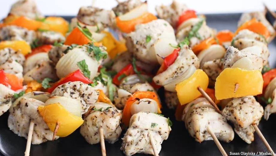 10 công thức biến tấu ức gà nhàm chán thành món ăn ai cũng phải thòm thèm-5