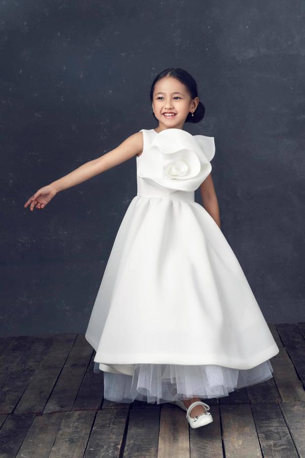 """Hà Kiều Anh kỉ niệm 14 năm ngày cưới sau ồn ào công chúa triều Nguyễn, visual cả nhà đỉnh chóp"""" nhưng có 1 điều gây tiếc nuối!-8"""