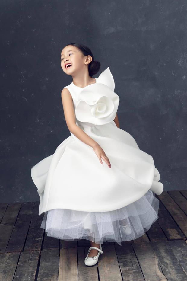 """Hà Kiều Anh kỉ niệm 14 năm ngày cưới sau ồn ào công chúa triều Nguyễn, visual cả nhà đỉnh chóp"""" nhưng có 1 điều gây tiếc nuối!-9"""