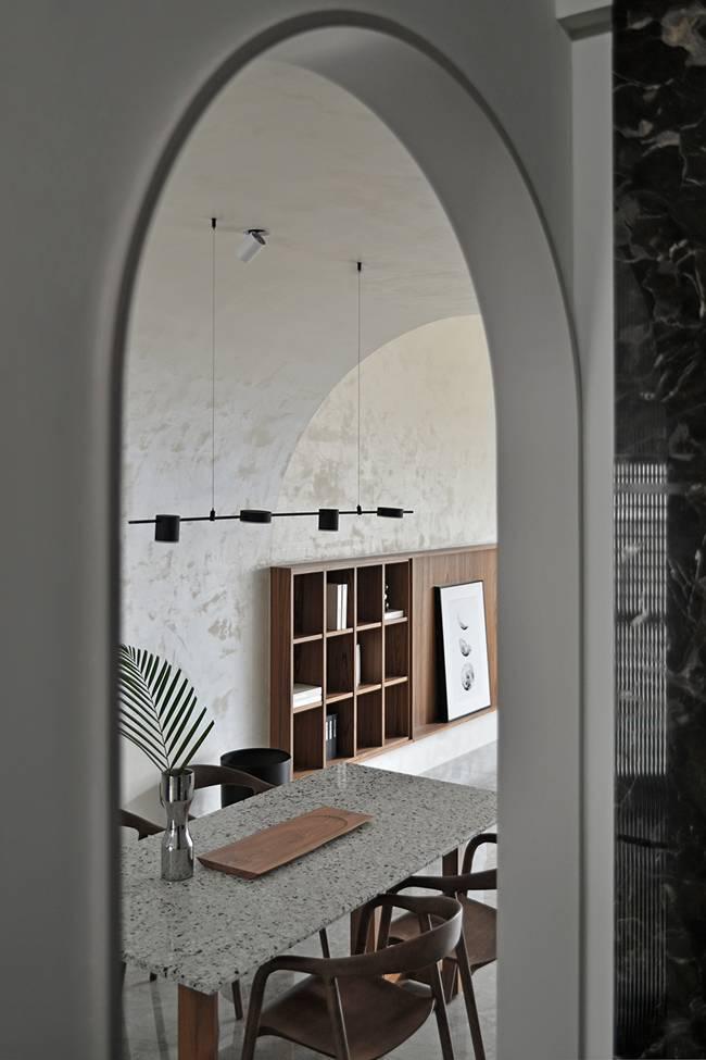 Ngôi nhà 60m2 có 3 thế hệ cùng sinh sống: Thiết kế lạ không giống khuôn mẫu thông thường, phòng bếp độc đáo trông như một hang động thu nhỏ-3