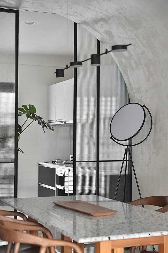 Ngôi nhà 60m2 có 3 thế hệ cùng sinh sống: Thiết kế lạ không giống khuôn mẫu thông thường, phòng bếp độc đáo trông như một hang động thu nhỏ-7
