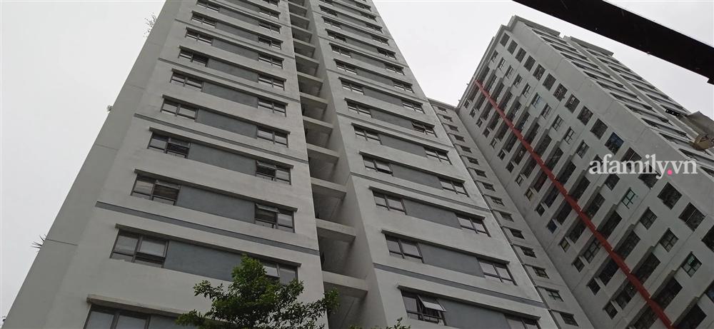 Hà Nội: Bé trai cạy lưới chắn rơi từ tầng 6 chung cư Gamuda-3
