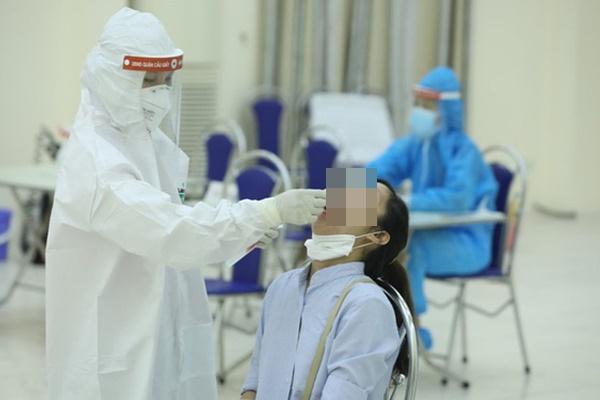 Hà Nội: Phát hiện thêm 17 ca dương tính SARS-CoV-2 ở 11 quận, huyện-1