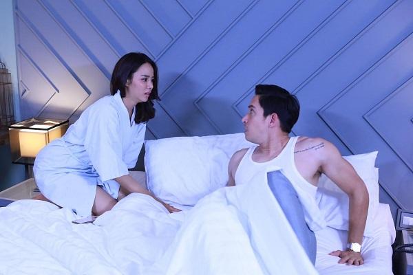 Vắt óc nghĩ chiêu đổi gió với chồng, vừa bước vào phòng ngủ trong bộ dạng gợi cảm, tôi bị chồng mắng té tát đuổi luôn ra ngoài-1