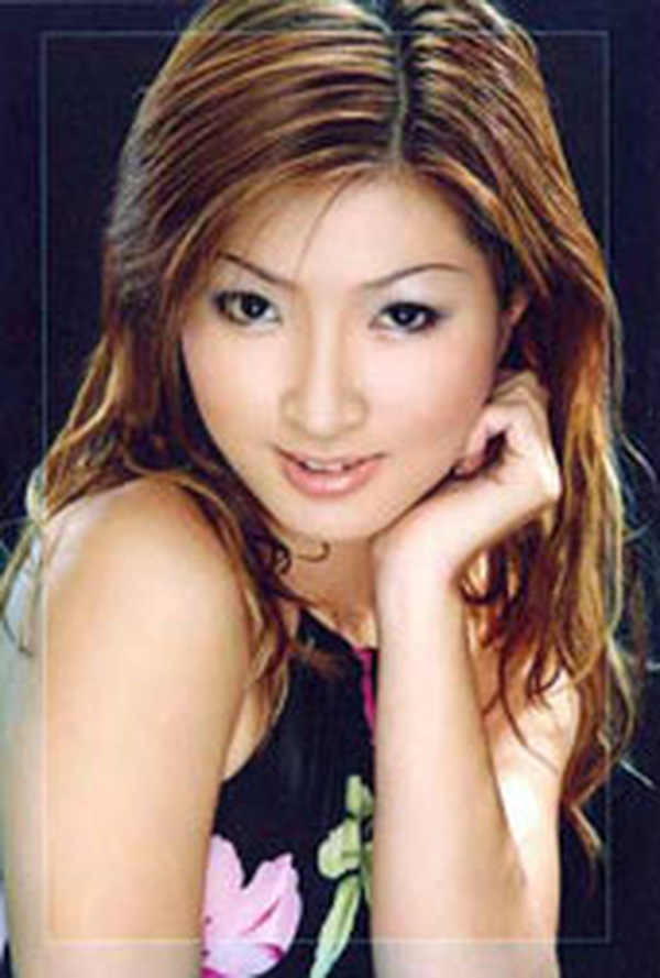 Nhan sắc thời trẻ của Nguyễn Hồng Nhung - nữ ca sĩ khổ sở vì scandal lộ clip nóng-2