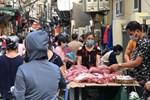 Hà Nội ngày đầu thực hiện giãn cách xã hội theo Chỉ thị 16: Đường phố vắng lặng, hàng quán đóng kín cửa im lìm-20
