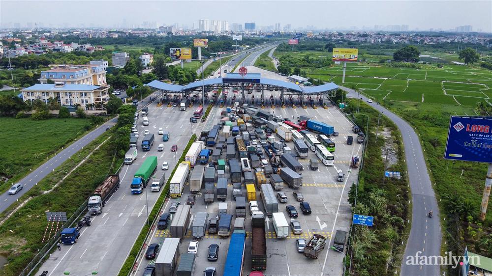 Hà Nội ngày đầu giãn cách xã hội: 100% phương tiện phải quay đầu tại 22 chốt kiểm soát cửa ngõ, các xe không thuộc luồng xanh phải thay đổi lộ trình-13