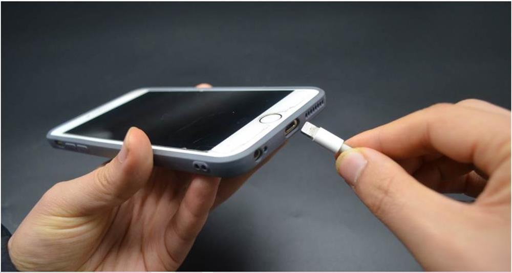 Pin điện thoại không bền hóa ra do cách sạc sai, nếu duy trì được những thói quen này sẽ cực tốt-3