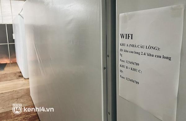 Cận cảnh khu điều trị Covid-19 trên sân bóng đá đầu tiên ở Sài Gòn vừa chính thức đón F0-13