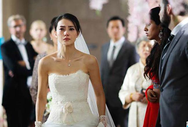 Trong đám cưới, cô dâu đi vệ sinh 10 phút, lúc quay lại toàn hội trường không còn một bóng người!-2